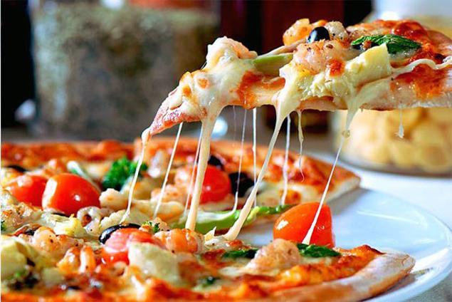 Пицца с тонким тестом