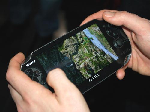 Игровая консоль Sony PS Vita