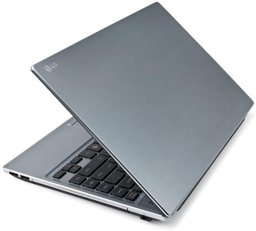 Лэптоп LG P430 снаружи