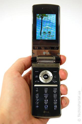 LG KF305 (Раскладушка)
