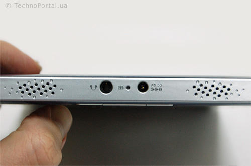 PocketBook IQ 701 (вход для зарядки и 3,5 мм выход для наушников)